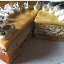 Aprikosen- Maracuja- Torte